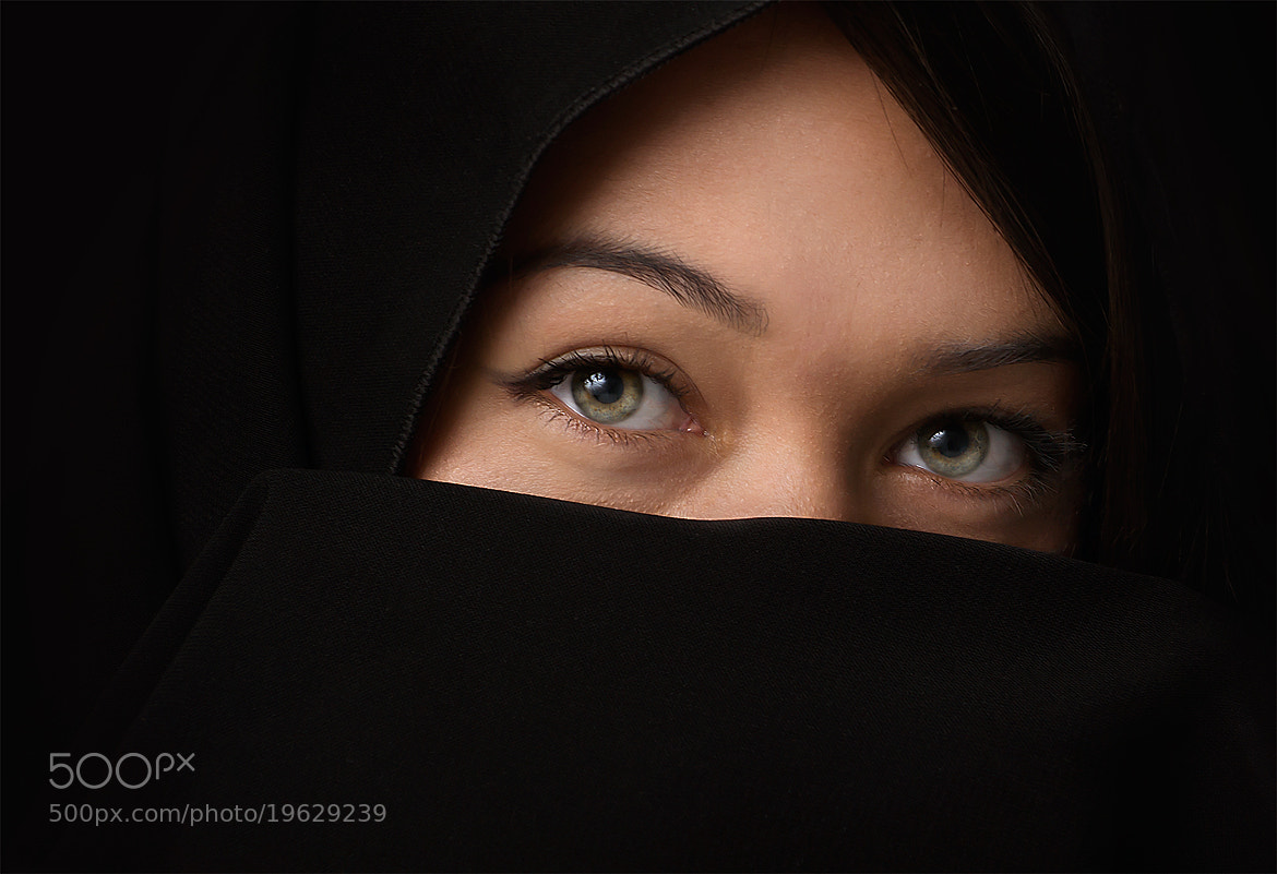 Photograph focus on the eyes by Adrian Sommeling on 500px