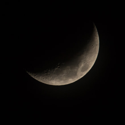 Moon - Waxing Crescent, Canon EOS REBEL T6S, Canon EF-S 55-250mm f/4-5.6 IS STM