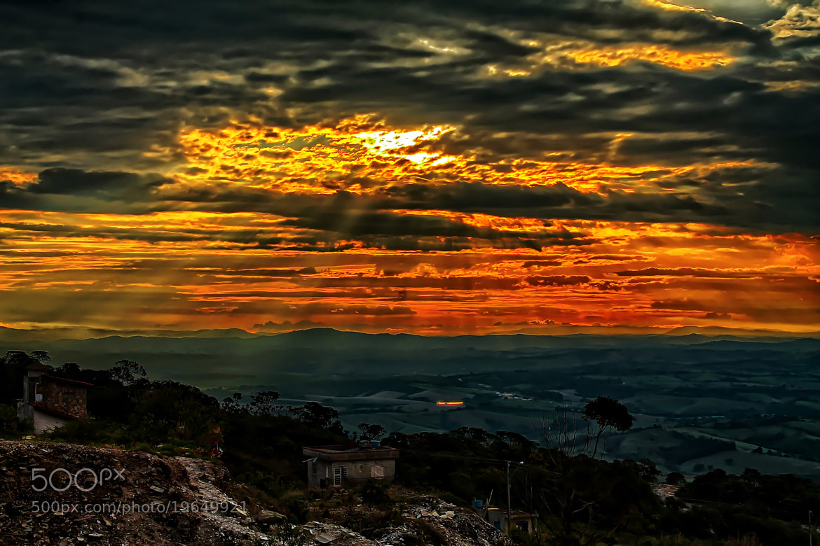 Photograph The magic sun! by Flávio Parreiras on 500px