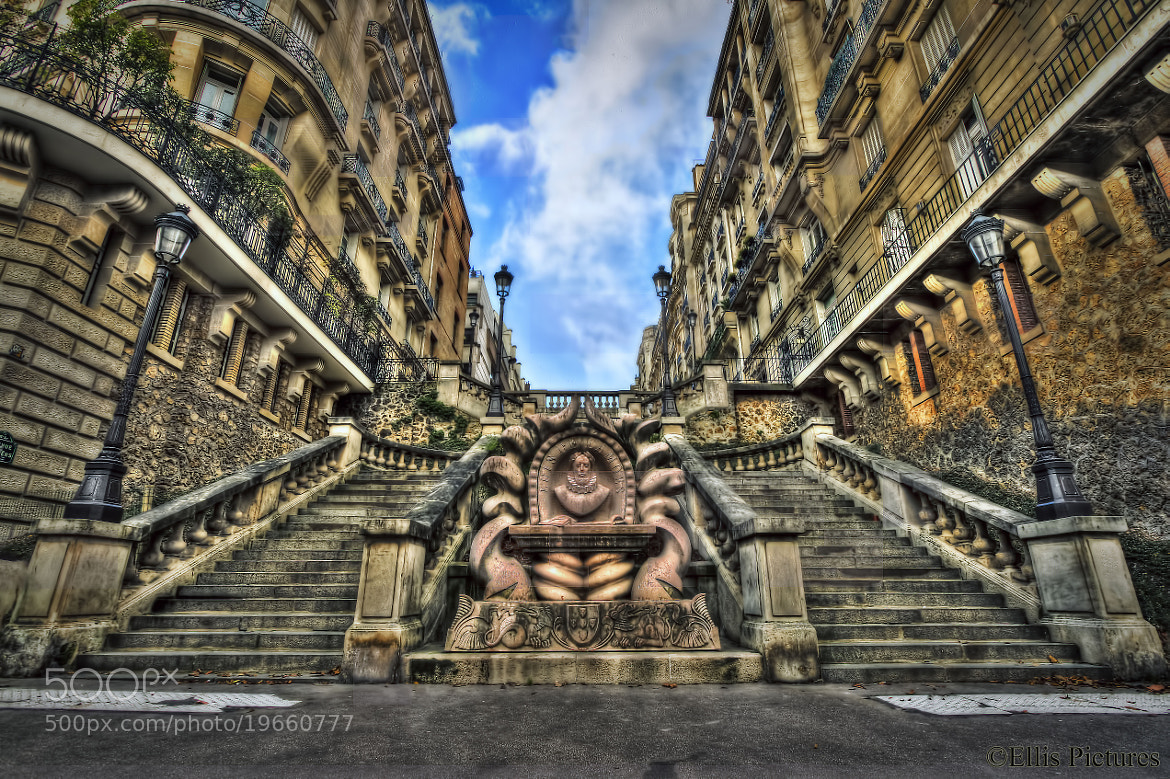 Photograph The Fountain and the Steps by Steven Ellis on 500px