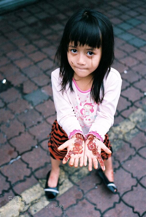 At Little India, Masjid India Street, Kuala Lumpur, Malaysia. (Taken with M6, Voigtlander 35mm f1.4 & Agfa 400 Color Film)