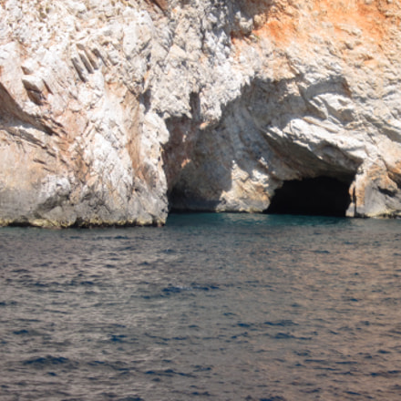 Sea and caves, Canon IXUS 300 HS
