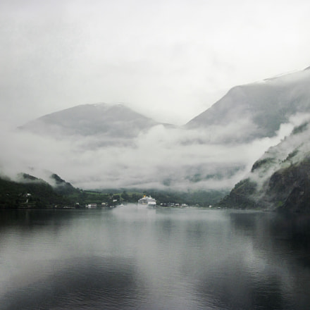 Fog in the fjord, Canon POWERSHOT A2100 IS