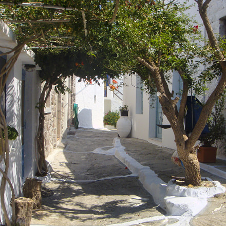 The village of Plaka, Sony DSC-T200