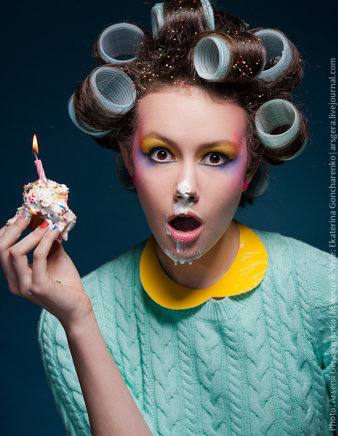 Photograph Happy birthday, sweetheart. Portrait of a girl with cake and candle by Arsenii Gerasymenko on 500px