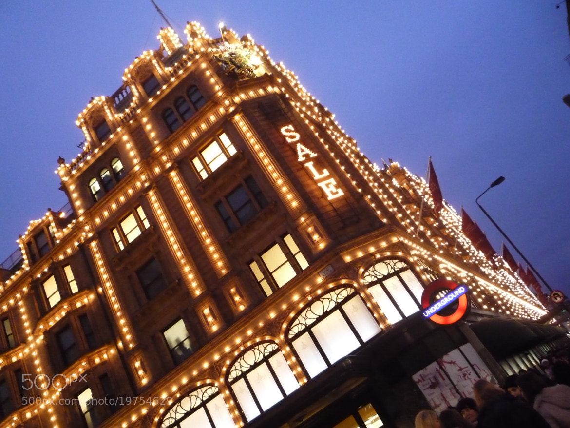Photograph Harrods by Denise Bosi on 500px