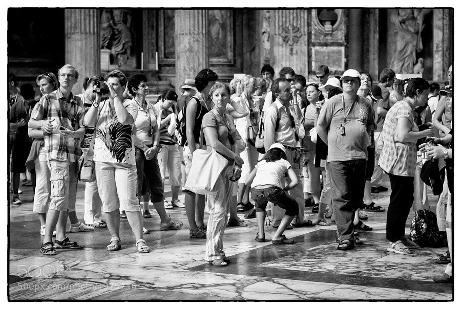 Group of tourists inside the Pantheon, Rome