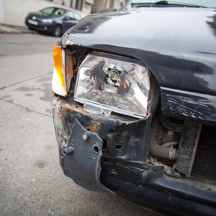 Crashed car headlight detail, Canon EOS 5D MARK II, Canon EF 20-35mm f/2.8L