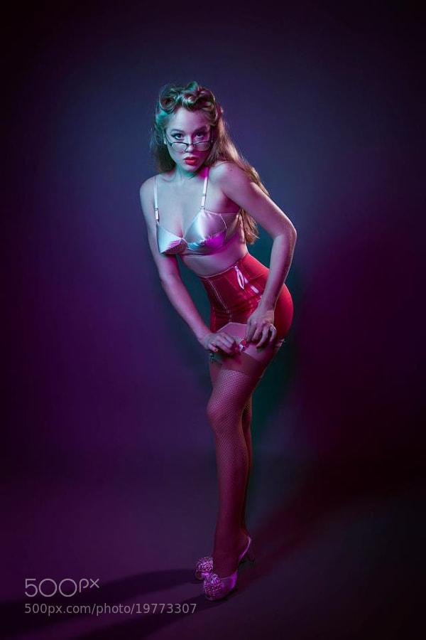 Modelo: Karine Barros  Foto: Fernando Filho Produção: Ana Bandarra  Manipulação: Helena Lopes