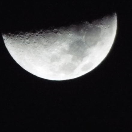Middle Moon, Fujifilm FinePix S9400W S9450W