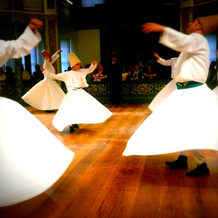Whirling dervishes , Panasonic DMC-FX100