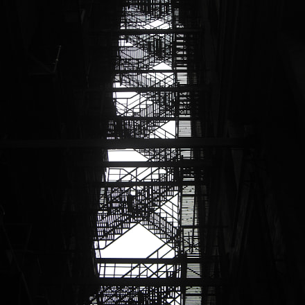 fire escape, Canon POWERSHOT SD700 IS