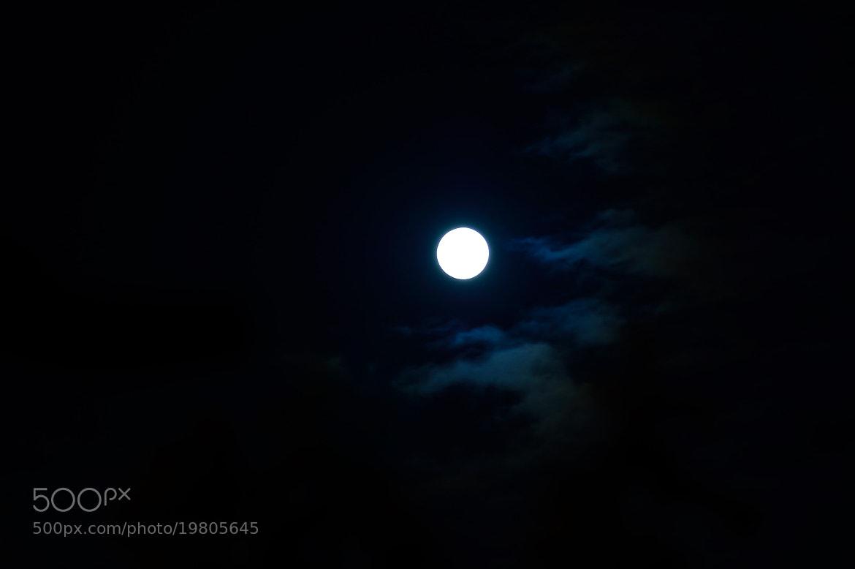 Photograph Midnight moon by Francisco Ancapi Zavala on 500px