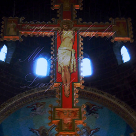 CRUCIFIXION Westminster Cathedral Victoria, Nikon COOLPIX S8000
