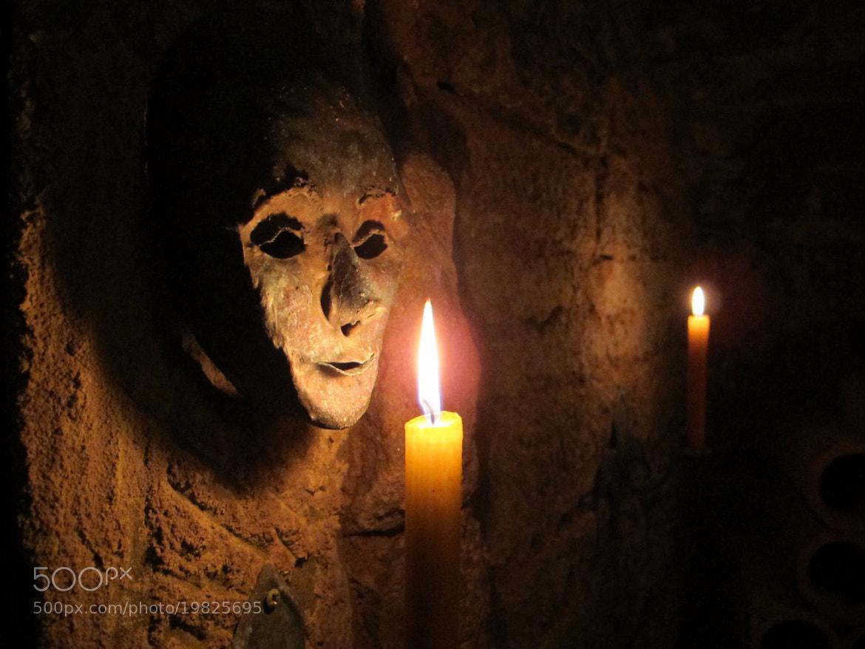 Photograph Maske im Kerzenlicht by Gerhard Merz on 500px