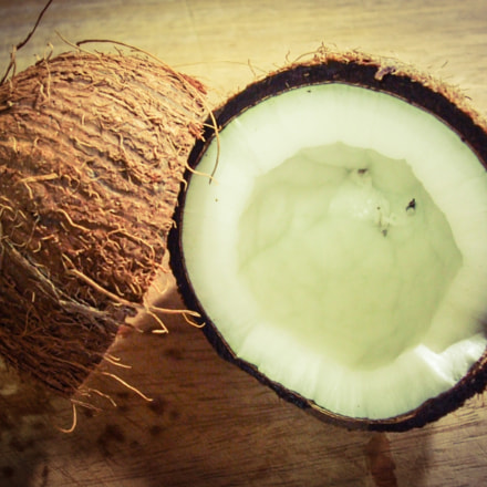 coconut fruit, Fujifilm FinePix A820