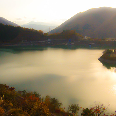 The lake in Yamakita, Panasonic DMC-FX8