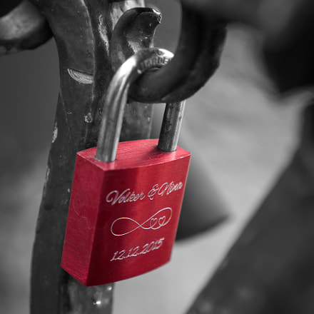 Lovely lock, Sony ILCE-5100, Sony E 35mm F1.8 OSS (SEL35F18)