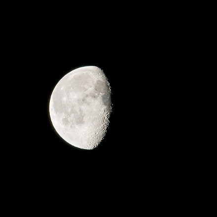 Moon, Sony ILCA-77M2, Tamron SP AF 70-200mm F2.8 Di LD IF Macro