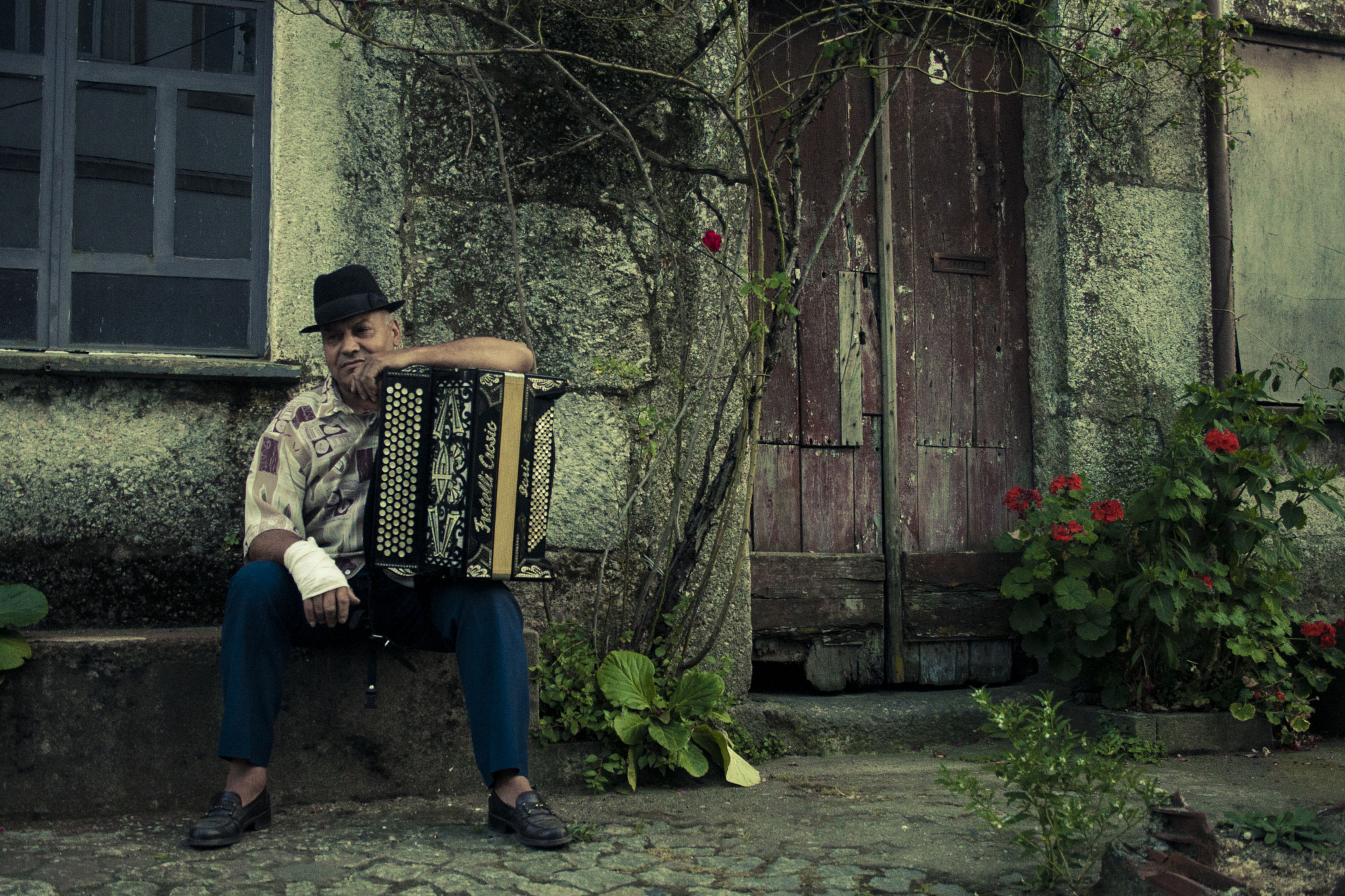 Photograph The Musician With the Broken Hand by Andrea Rocha on 500px