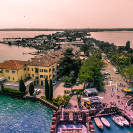 Sirmione, color's last stand, Nikon COOLPIX S3500