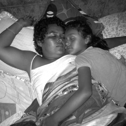 Mother's love, Canon POWERSHOT A2300