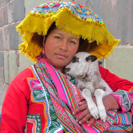 Charming Peruvian, Canon POWERSHOT SD1300 IS