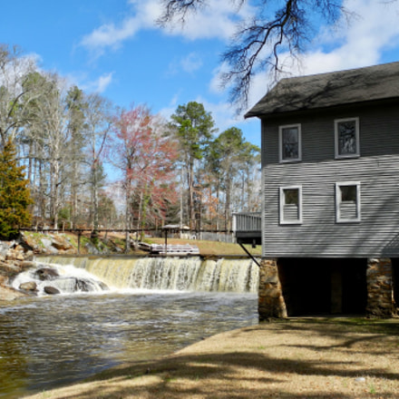 The old mill on, Nikon COOLPIX P7100