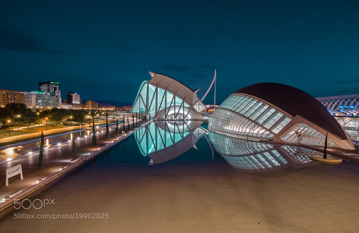Photograph Blue entertainment by César Asensio Marco on 500px