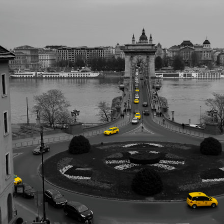 Taxis in Budapest, Nikon COOLPIX S2700