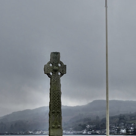Cross and saltire, Lochgilphead, Sony DSC-WX350, Sony 25-500mm F3.5-6.5