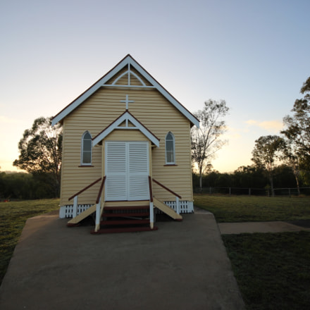 country church, Canon EOS 600D, Sigma 8-16mm f/4.5-5.6 DC HSM