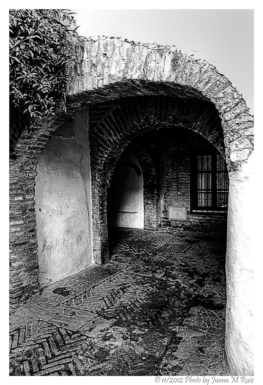 Photograph La juderia (Sevilla) by Juana Maria Ruiz on 500px