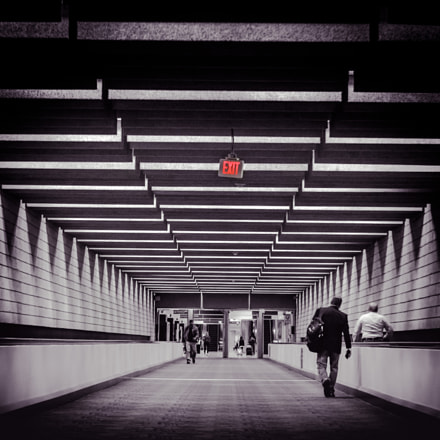 Exit at the Airport, Canon EOS 5D MARK II, Canon EF 24-70mm f/2.8L