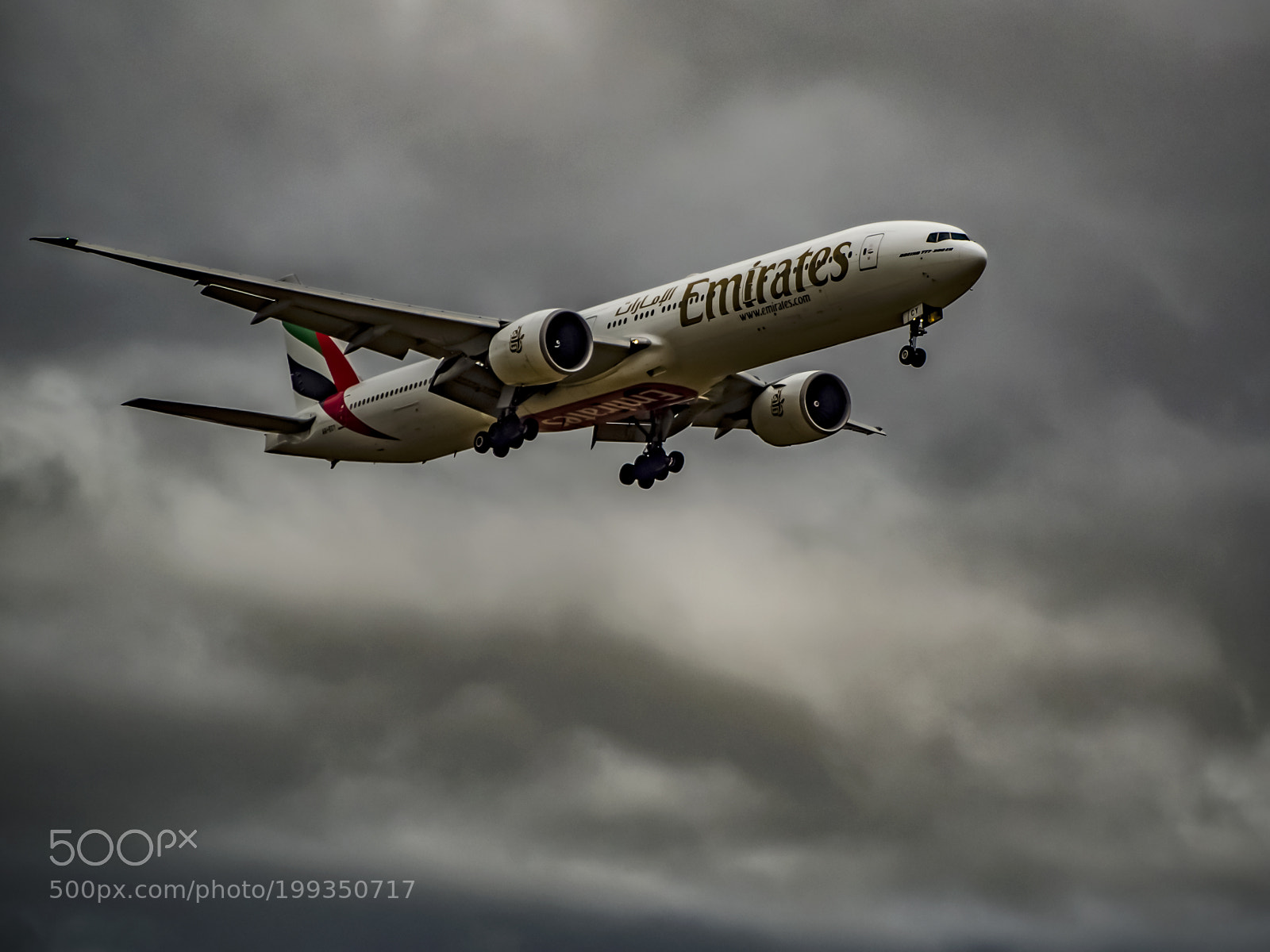Emirates 777 on Final Approach