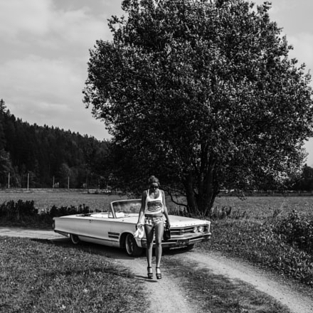 Old Chrysler and girl, Sony ILCE-7RM2, Canon EF 35mm f/1.4L