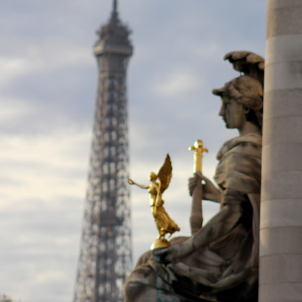 Walking around Paris, loved, Canon EOS REBEL T5I, Canon EF 75-300mm f/4-5.6