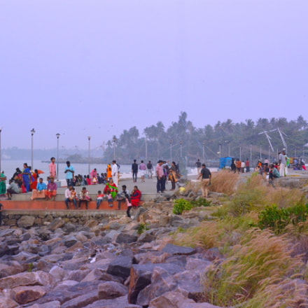 People enjoying at Munambam, Nikon D7000, AF Nikkor 50mm f/1.8D