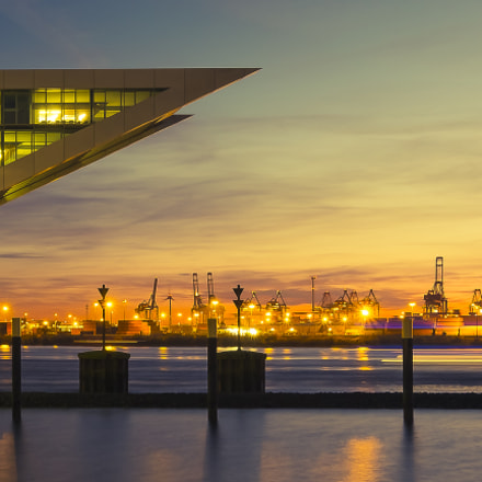 Dockland meets harbor (color), Fujifilm X-Pro1, XF10-24mmF4 R OIS