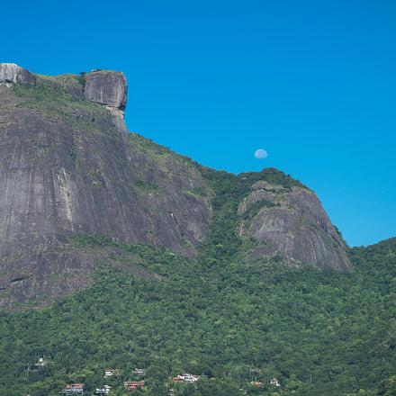 Morning moonset over Pedra da Gavea
