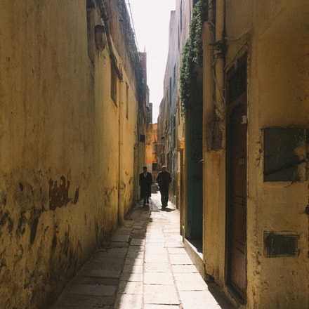 street in old Medina, Apple iPhone 6s, iPhone 6s back camera 4.15mm f/2.2