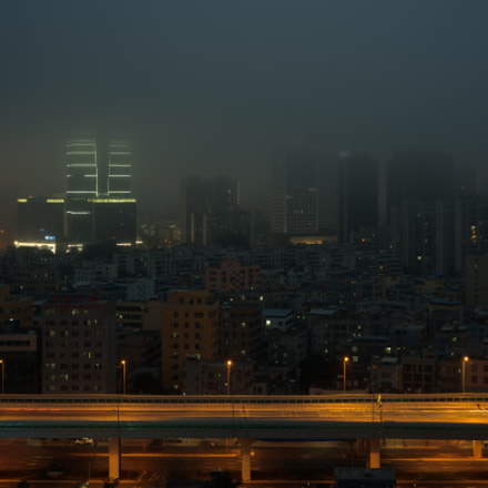 city in the fog, Sony ILCE-7, Sony FE 35mm F2.8 ZA