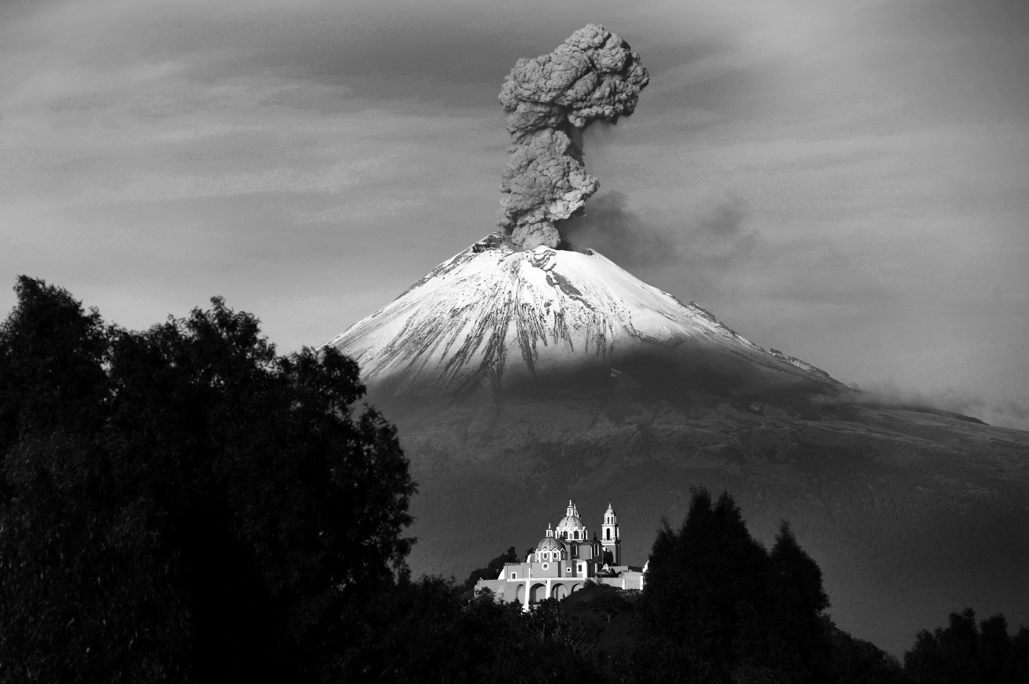 Photograph Popocatepetl raging in the morning by Cristobal Garciaferro Rubio on 500px