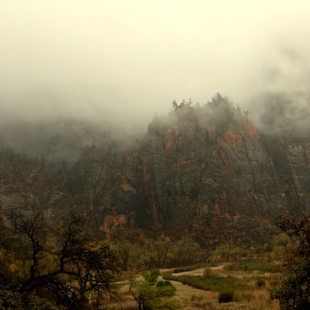 Zion in Mist, Canon EOS REBEL T6I, Canon EF-S 18-135mm f/3.5-5.6 IS STM