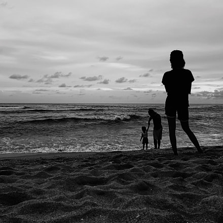 Waiting for the sea, Sony DSC-RX100M4, Sony 24-70mm F1.8-2.8