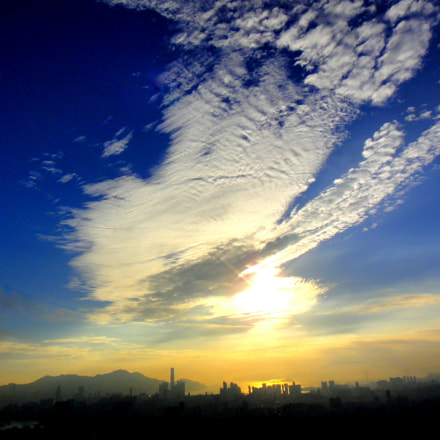 Sky above Kowloon Peak, Sony DSC-TX5