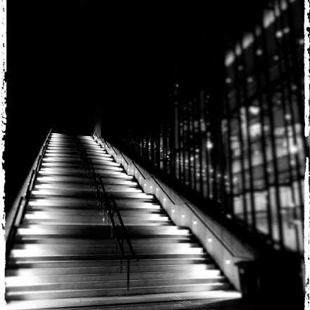 Stairway to a better, Canon IXUS 265 HS