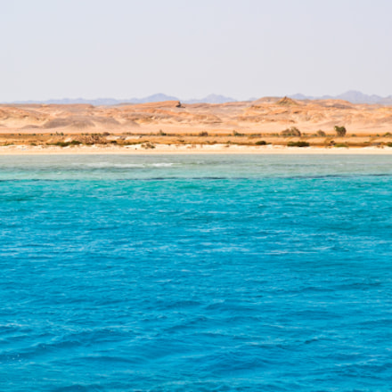 On the Red Sea, Nikon D3100, IX-Nikkor 60-180mm f/4.5-5.6