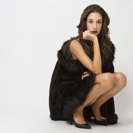 High heel and fur, Canon EOS 7D, Canon EF 28-200mm f/3.5-5.6