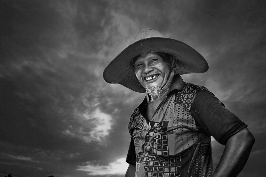 Photograph Pakcik by pink sword on 500px